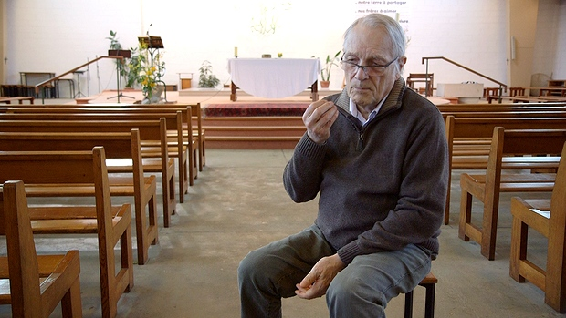 7-F Mehaignerie,pretre diocesain Reportage doc
