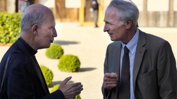 Mgr d'Ornellas et Jean-Dominique Senard au Prieuré d'Ardevon