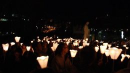 procession-aux-flambeaux